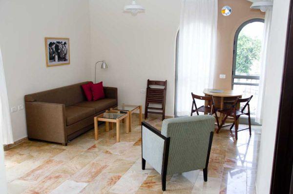 חצר השוק ירושלים - דירות פינתיות – דירות עם חדר שינה וסלון גדול
