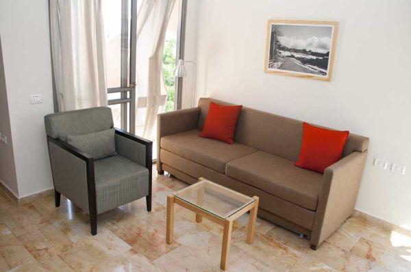 בית מלון ירושלים חצר השוק - דירות 2 חדרי שינה עם גלריה