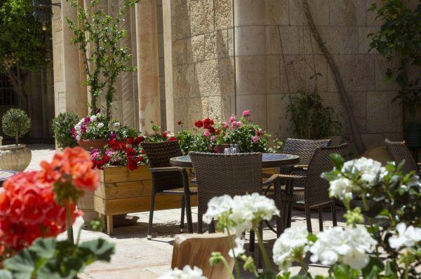 בית מלון שלוש הקשתות ימקא ירושלים