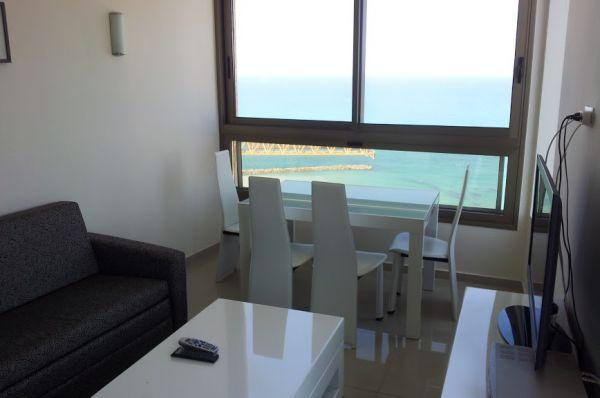 בית מלון בלו וייס ב נתניה ומישור החוף