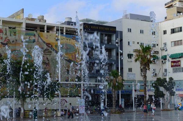 כיכר מלון בוטיק בנתניה ומישור החוף
