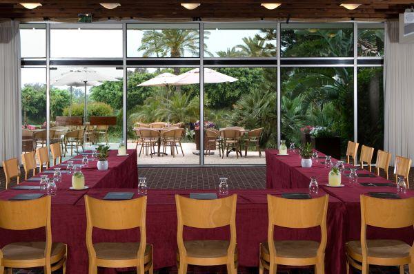 בית מלון דן בנתניה ומישור החוף