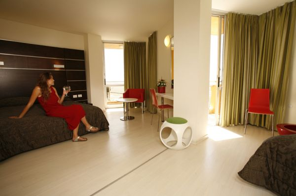בית מלון שלמה המלך ב נתניה ומישור החוף