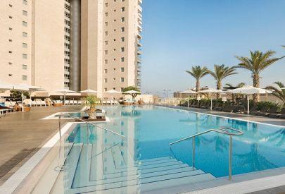 отель люкс  Ramada Нетания и побережье