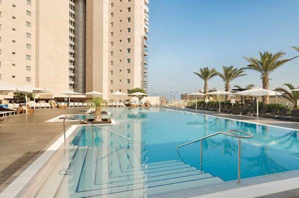 בית מלון יוקרתי רמדה בנתניה ומישור החוף