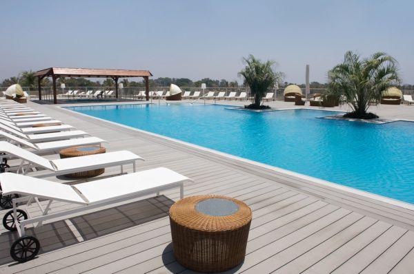 בית מלון דלוקס רמדה בנתניה ומישור החוף