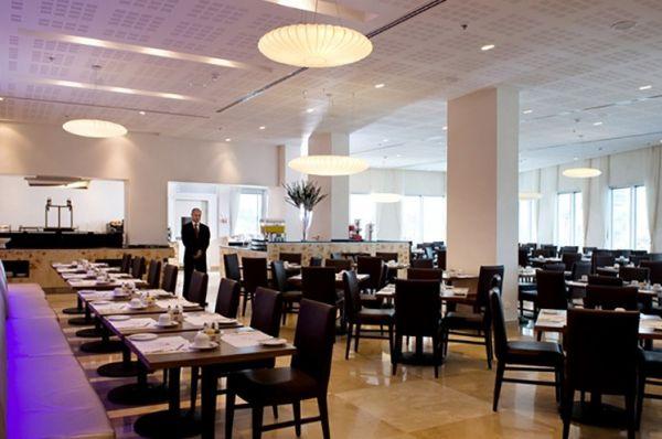 Отель люкс  Рамада в Нетания и побережье