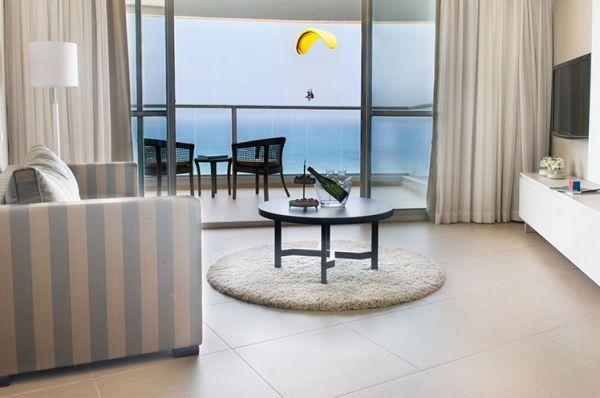 люкс отель Рамада в  Нетания и побережье