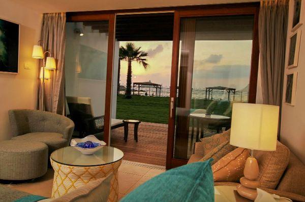 בית מלון חוף נחשולים - חדר ים  בוטיק