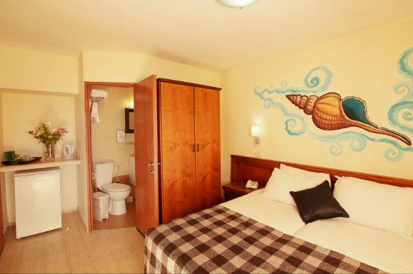 בית מלון חוף נחשולים ב נתניה ומישור החוף - חדר זוגי