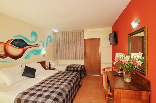 בית מלון חוף נחשולים ב נתניה ומישור החוף - חדר ים