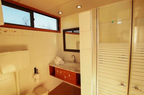 בית מלון חוף נחשולים נתניה ומישור החוף - חדר ים