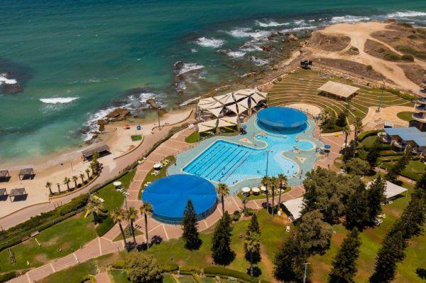 בית מלון רמדה חדרה ב נתניה ומישור החוף