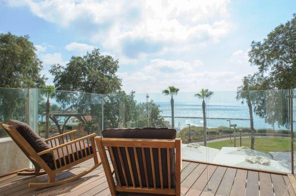 בית מלון רזידנס ביץ בנתניה ומישור החוף