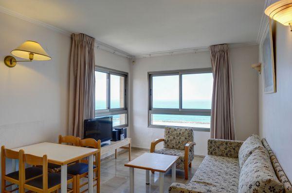 בית מלון רזידנס ביץ בנתניה ומישור החוף - סוויטה