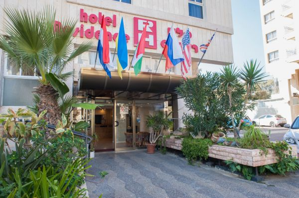 בית מלון רזידנס בנתניה ומישור החוף