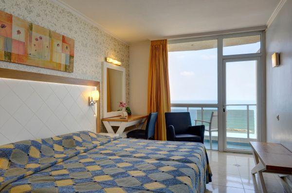 בית מלון רזידנס נתניה ומישור החוף
