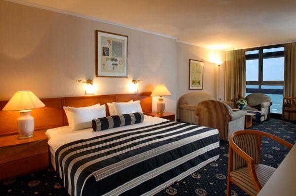 בית מלון נתניה ומישור החוף העונות