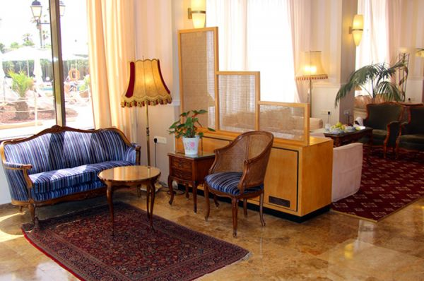отель Сизонс