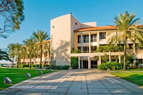 בית מלון שפיים בנתניה ומישור החוף
