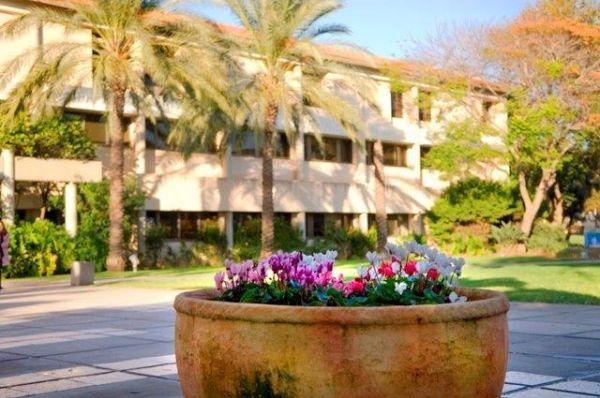 בית מלון שפיים ב נתניה ומישור החוף