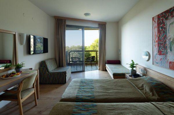 בית מלון שפיים נתניה ומישור החוף
