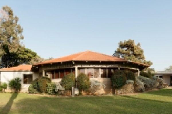בית מלון נתניה ומישור החוף שפיים