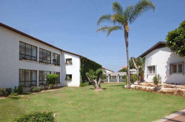 гостиница в  Нетания и побережье Тули Эден Инн