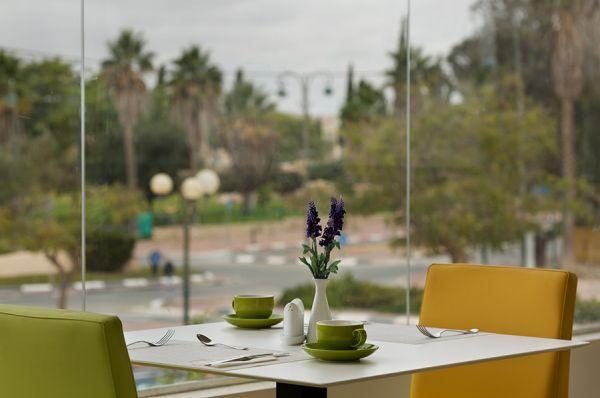בית מלון אירוס המדבר ב דרום הארץ