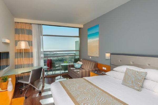 בית מלון לאונרדו פלאזה בדרום הארץ - קלאב עם מרפסת