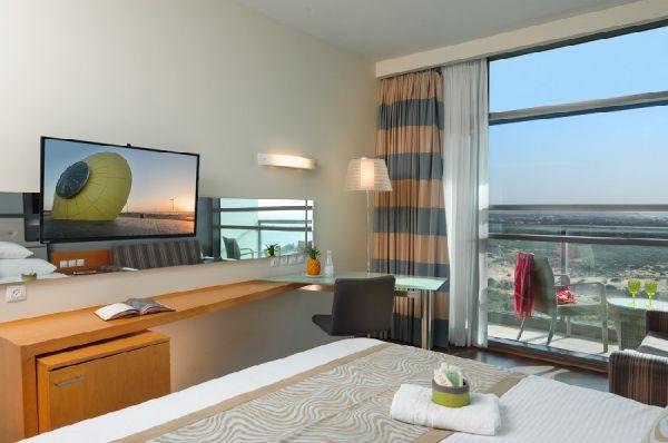 בית מלון לאונרדו פלאזה ב דרום הארץ - קלאב עם מרפסת