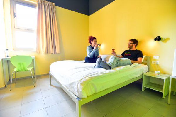 בית מלון תל-אביב והמרכז אברהם הוסטל