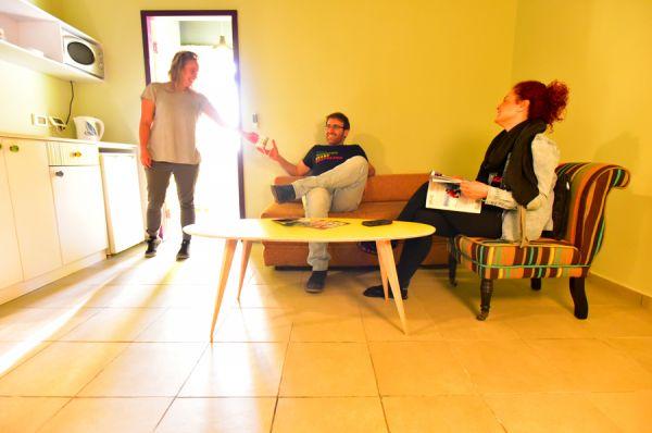 בית מלון אברהם הוסטל ב תל-אביב והמרכז