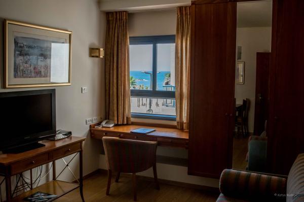 гостиница в  Тель Авив Абратель - Свита с видом на море