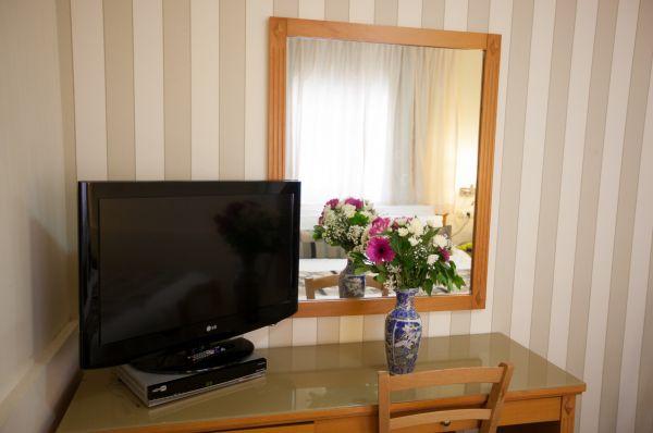 בית מלון ארמון הירקון תל-אביב והמרכז