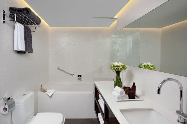 אלכסנדר מלון בוטיק בתל-אביב והמרכז - דלקס עם מרפסת ונוף חלקי לים
