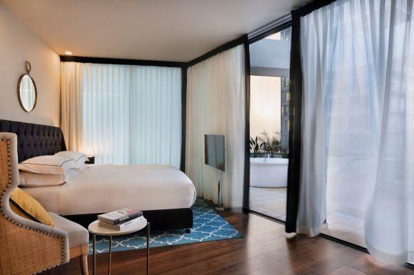 בראון ביץ' האוס מלון בוטיק בתל-אביב והמרכז