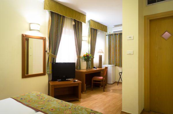 דה לה מאר מלון בוטיק תל-אביב והמרכז
