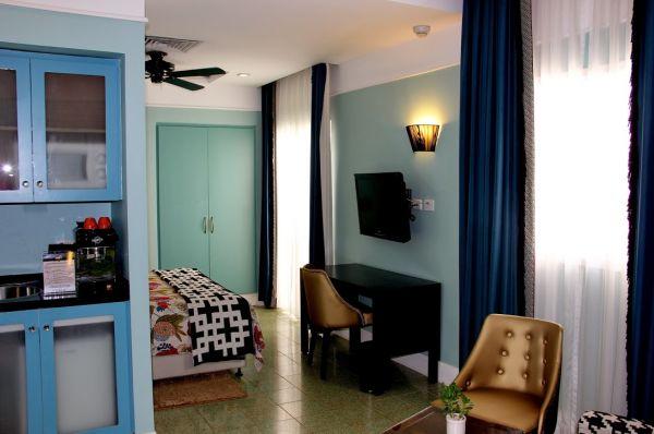 בית מלון תל-אביב והמרכז סנטר שיק