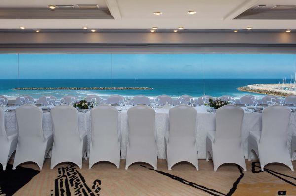 בית מלון קראון פלזה ב תל-אביב והמרכז