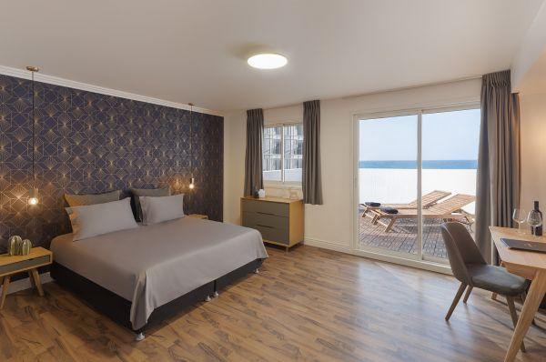בית מלון דה לה מאר בתל-אביב והמרכז