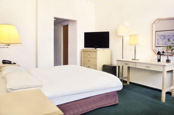 בית מלון דבורה