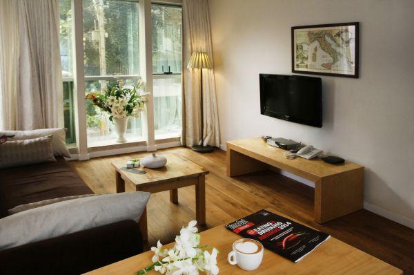 בית מלון דיזנגוף סוויטס בתל-אביב והמרכז