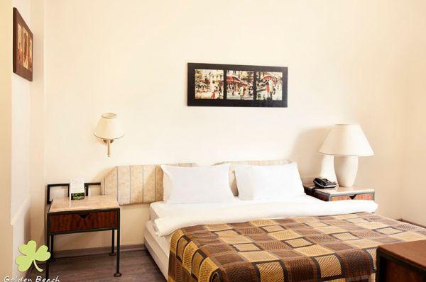 בית מלון גולדן ביץ ב תל-אביב והמרכז