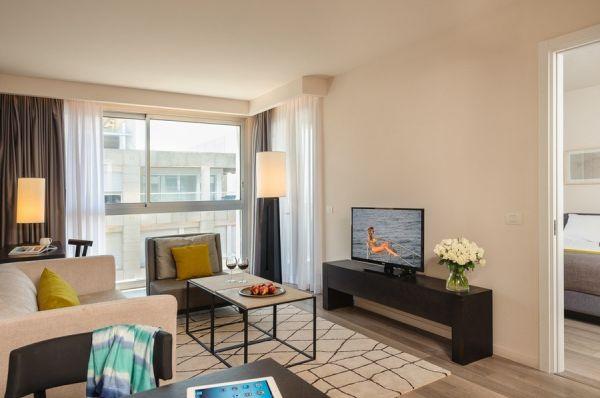 בית מלון הרודס הרצליה - סוויטה דלקס עם מרפסת