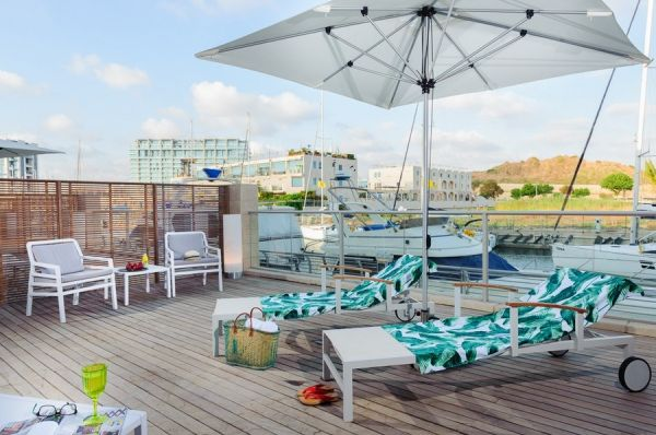 בית מלון הרודס הרצליה תל-אביב והמרכז - סוויטה אקזקיוטיב עם נוף למרינה ומרפסת