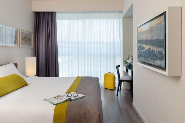 בית מלון הרודס הרצליה ב תל-אביב והמרכז - סוויטה רויאל  שני חדרי שינה