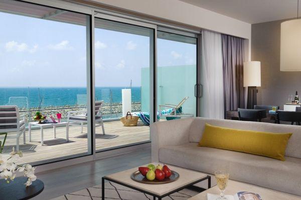 отель в  Тель Авив Херодс Герцлия - Свита с террасой и видом на море