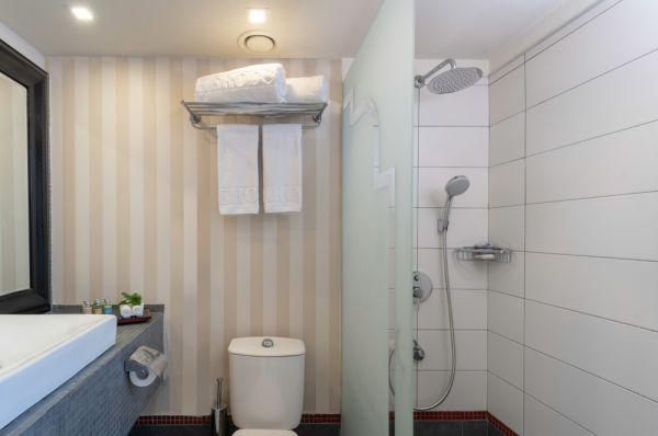 בית מלון הרודס ב תל-אביב והמרכז - דלקס