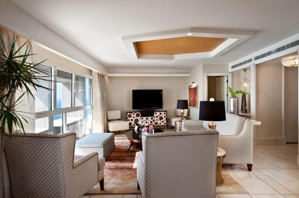 בית מלון הילטון ב תל-אביב והמרכז